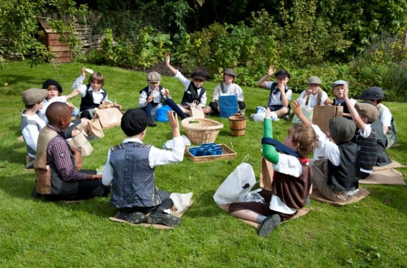 Boys_picnic